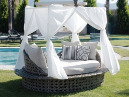 Σαλόνι - Daybed Wicker Φ2.33 Χ 1.83m Tends